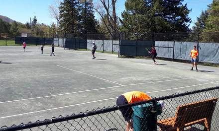 {Clay tennis courts: Aylmer residents lobby Gatineau }