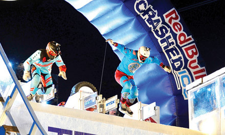 {Crashed Ice racing crushes winter cold}